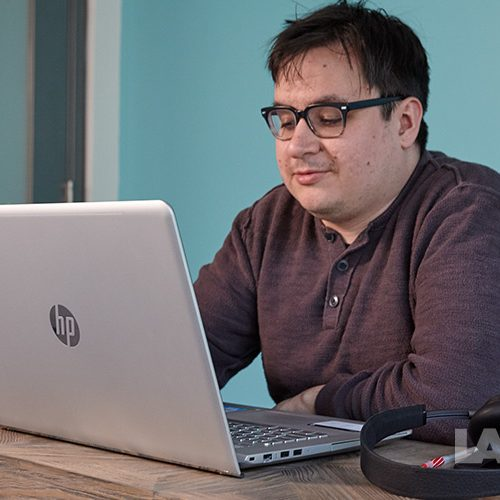Reviewing HP Envy 17