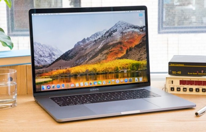 For Serious Pros: 15-inch MacBook Pro (2018)