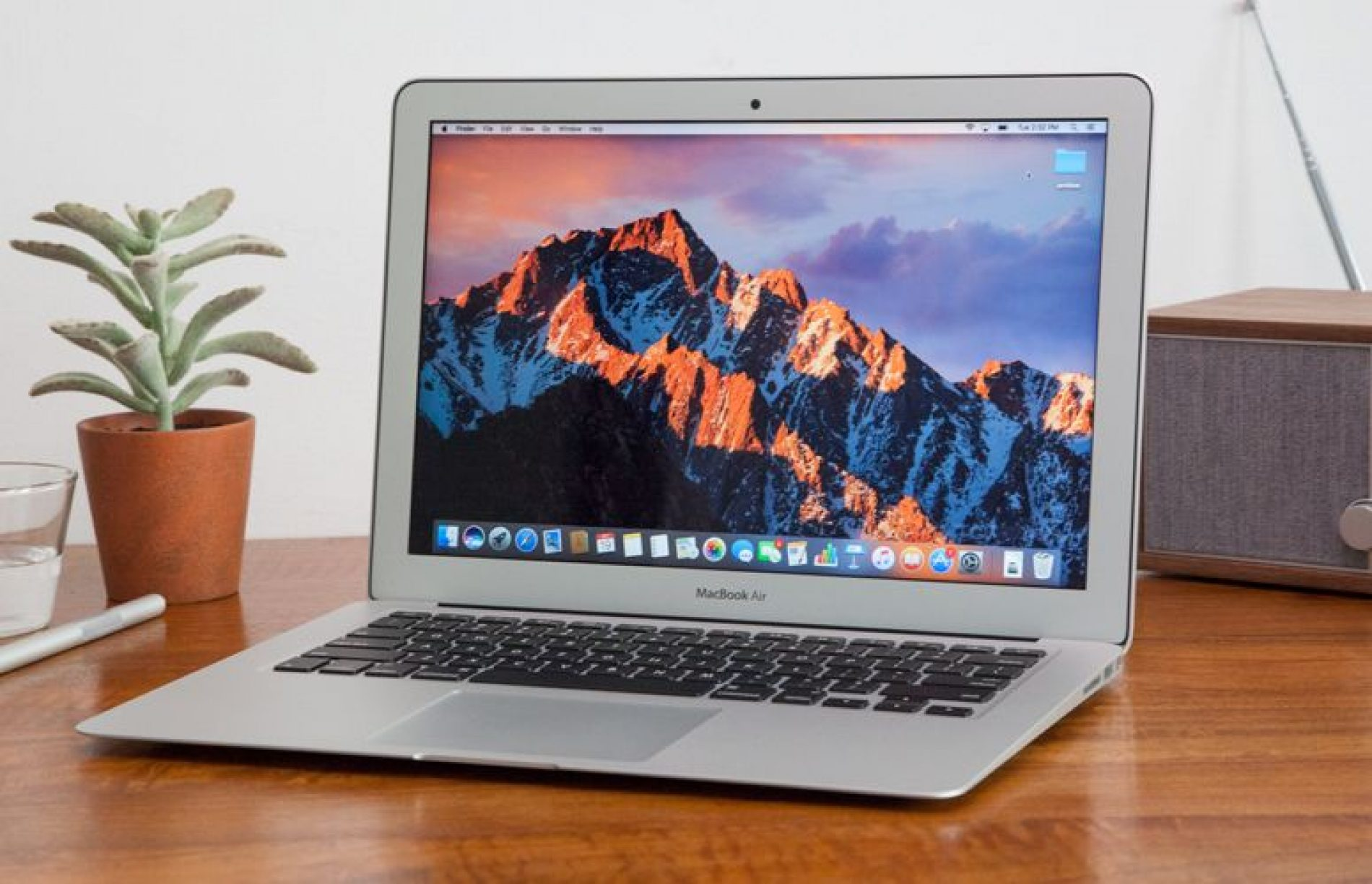New MacBook Air Finally Coming with 8th-Gen CPU (Report)